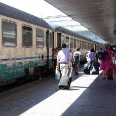 Tren de Nápoles a Roma