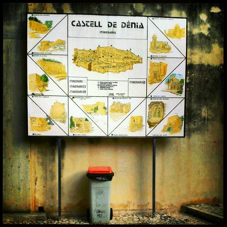 Entrada del castillo de Denia