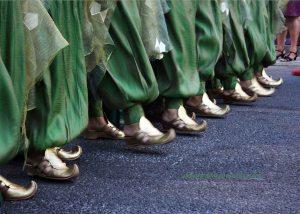 Desfile previo a la Embajada Beduina