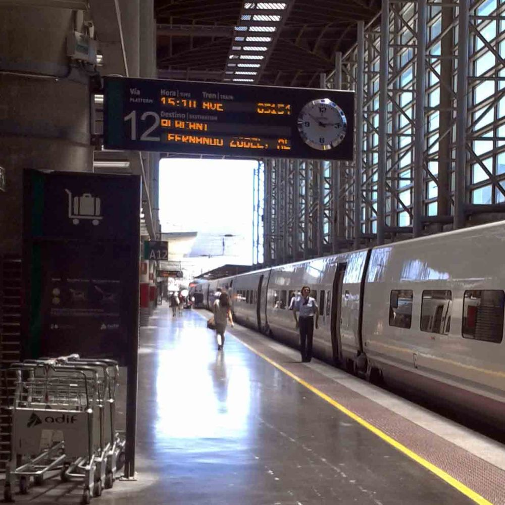 AVE Madrid-Benidorm: 4 horas, 25 minutos (4/5)