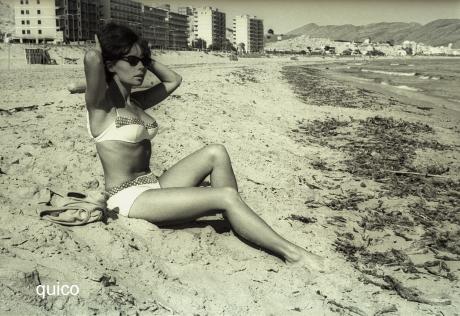 L'actriu-francesa-Pascale-Petit-a-la-platja-de-Ponent-1965