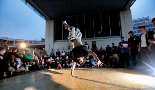 festival de arte urbano en benidorm . break dance be bob grafiti baile