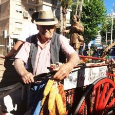 Con 90 años, todavía hay quien sigue al pié del cañón en esta romería.