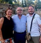 Con el autor de Marco Aurelio en los jardines del teatro